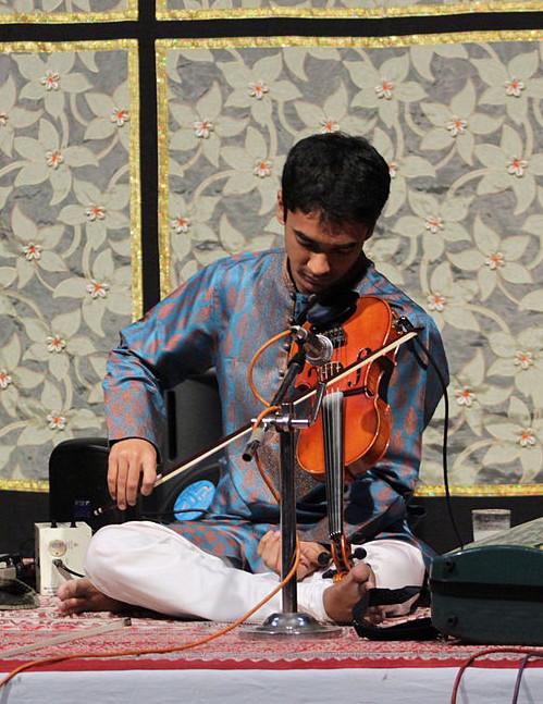 Indian Violin Posture